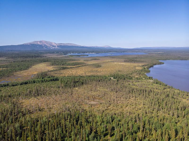 Drone view 100m towards Ylläs