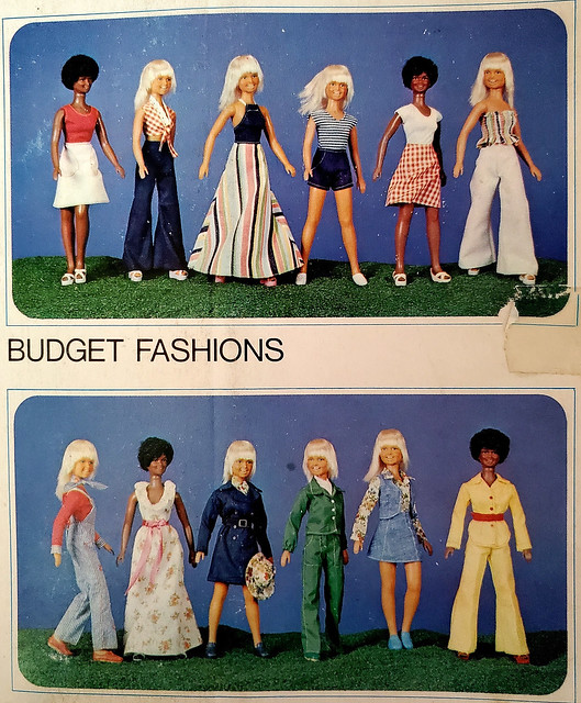 Outfits on the back of the package.  This is from 1976.  That was a good year!  ;>)