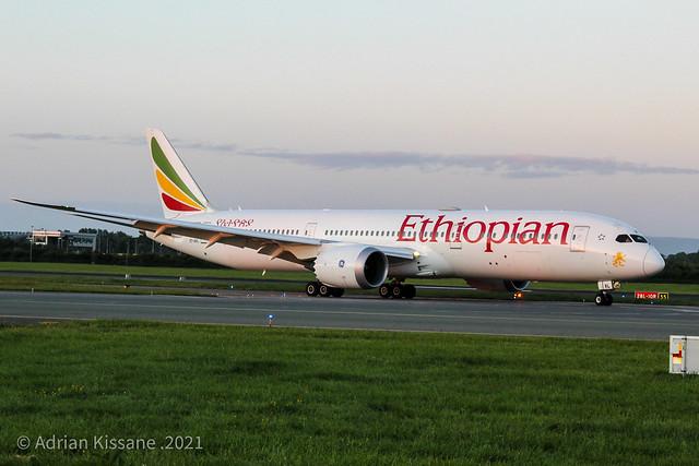 ETHIOPIAN AIRLINES B787 ET-AXL