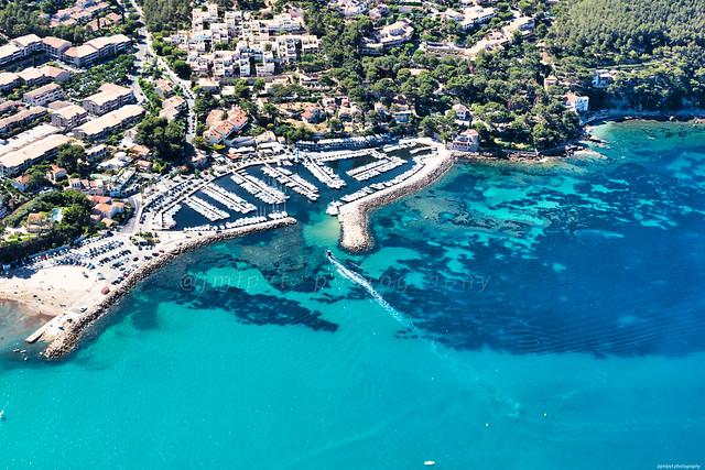 Saint-Cyr-Sur-Mer, le port de la Madrague vu en ulm-3D0A4947-Modifier