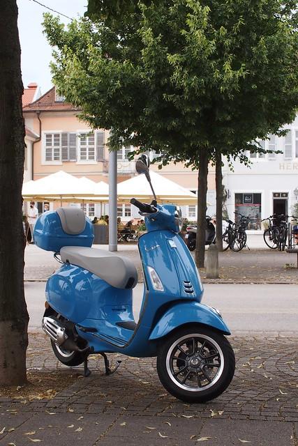 Schlossplatzmotorroller