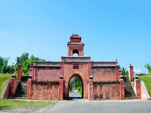 Dien-Khanh-Citadel