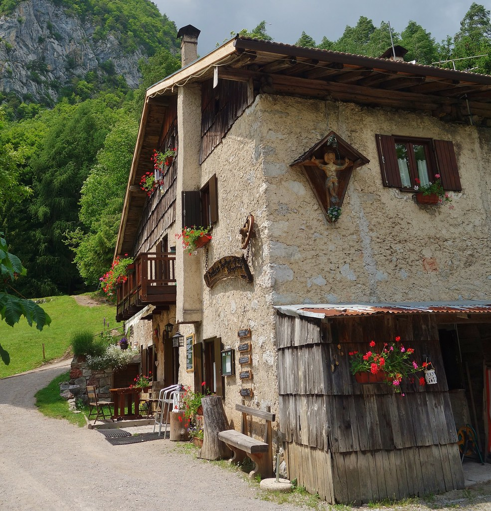 ITALIEN, Italy, Rund um den Molveno See, uriger Gasthof, 79135/13854