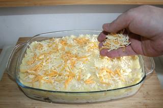 24 - Dredge with cheese / Mit Käse bestreuen
