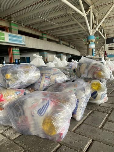 Departamento de Responsabilidade Social entrega cestas básicas arrecadadas pela plataforma Grêmio Em Ação