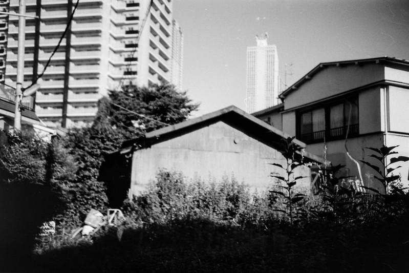 16 20210718LOMO LC A++Fujifilm ACROS100東池袋五丁目富士山広場前的場亭