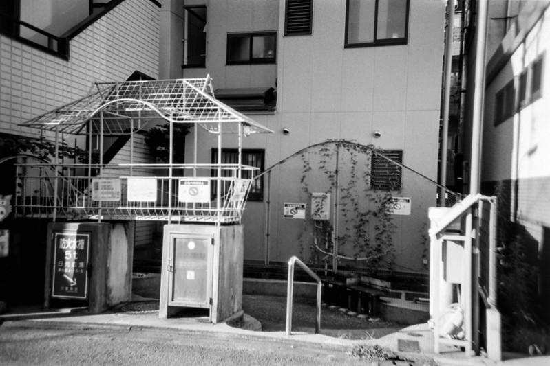 08 20210718LOMO LC A++Fujifilm ACROS100東池袋四丁目日光広場