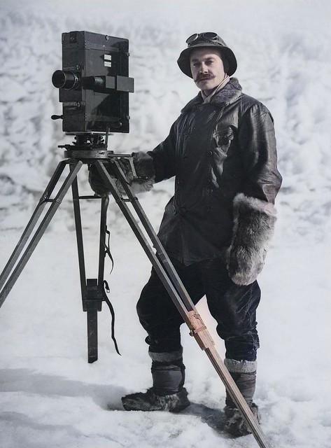 HERBERT GEORGE PONTING (1870-1935) Self-portrait with cinematographic camera 1911_colorSAI_result