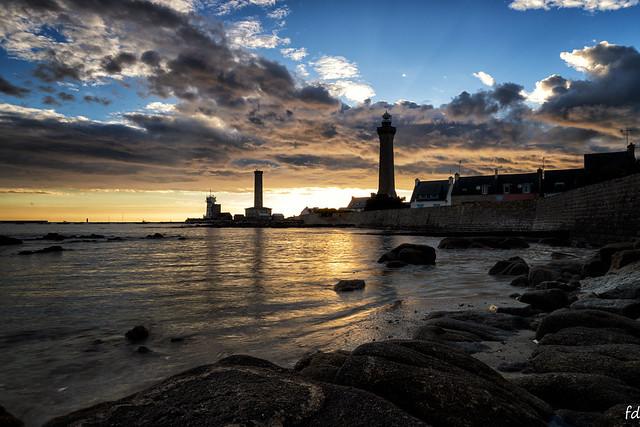 Sunset breton sur les phares d'Eckmul