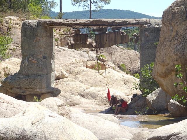 En amont du pont de Figa