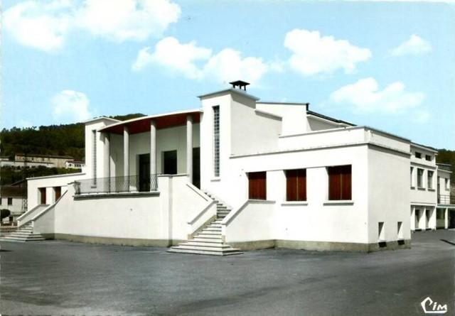 BESSEGES (30) Le centre culturel architecte  Maurice Pierredon