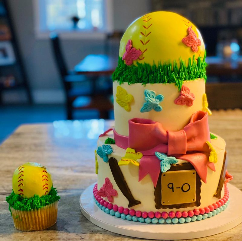 Cake by JEM'S Cakes