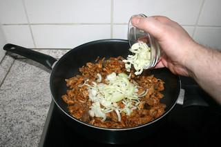 09 - Add onion / Zwiebel hinzufügen