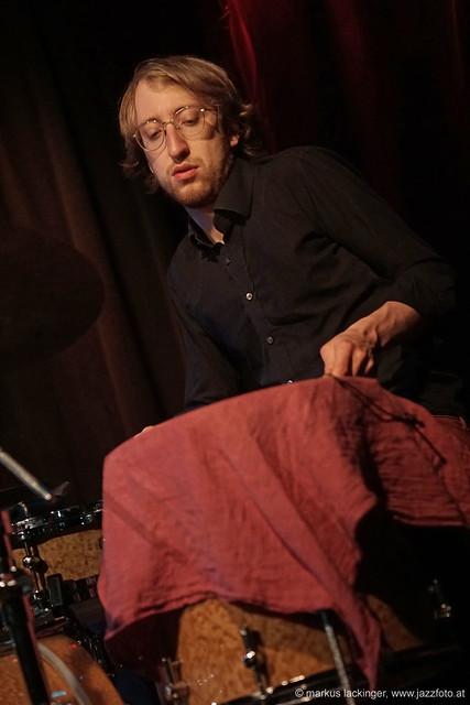 Dominik Mahning: drums