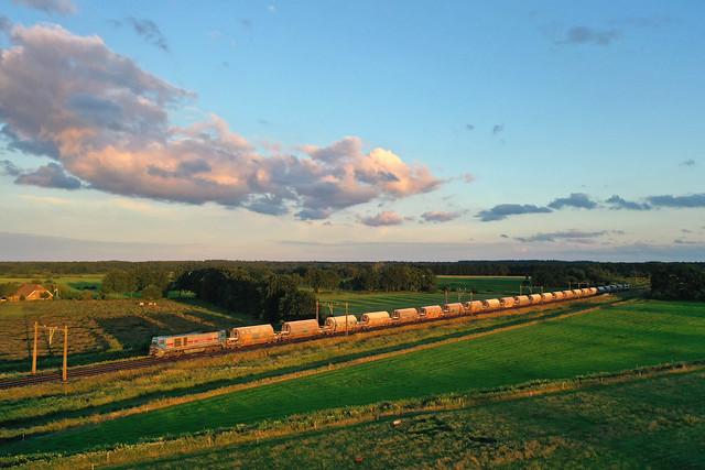 IRP 2107 + Güterzug/Goederentrein/Güterzug Hermalle - Veendam + TCS 101003 (LNA)  - Hooghalen