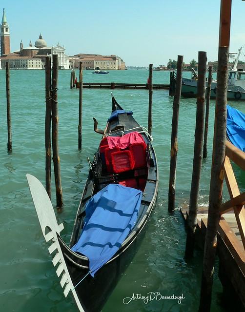 Lone Gondola - Venice 496a-1