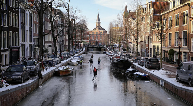 At full swing on the frozen Amsterdam canal