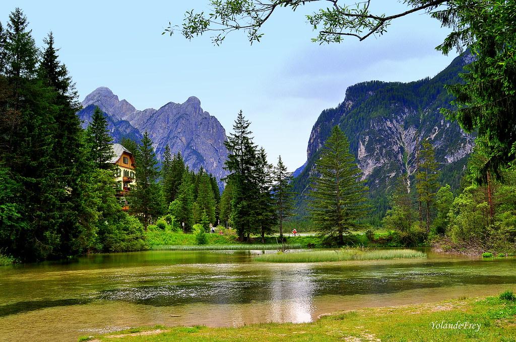 Le lac de Dobbiaco- Dolomites