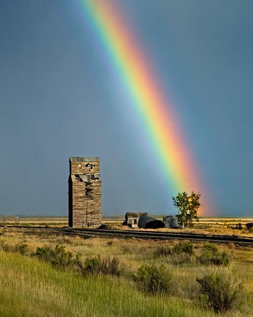 Abandoned Grain Elevator Rainbow 403 A (Explored)