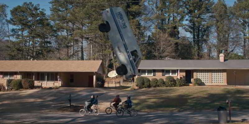 flying van street