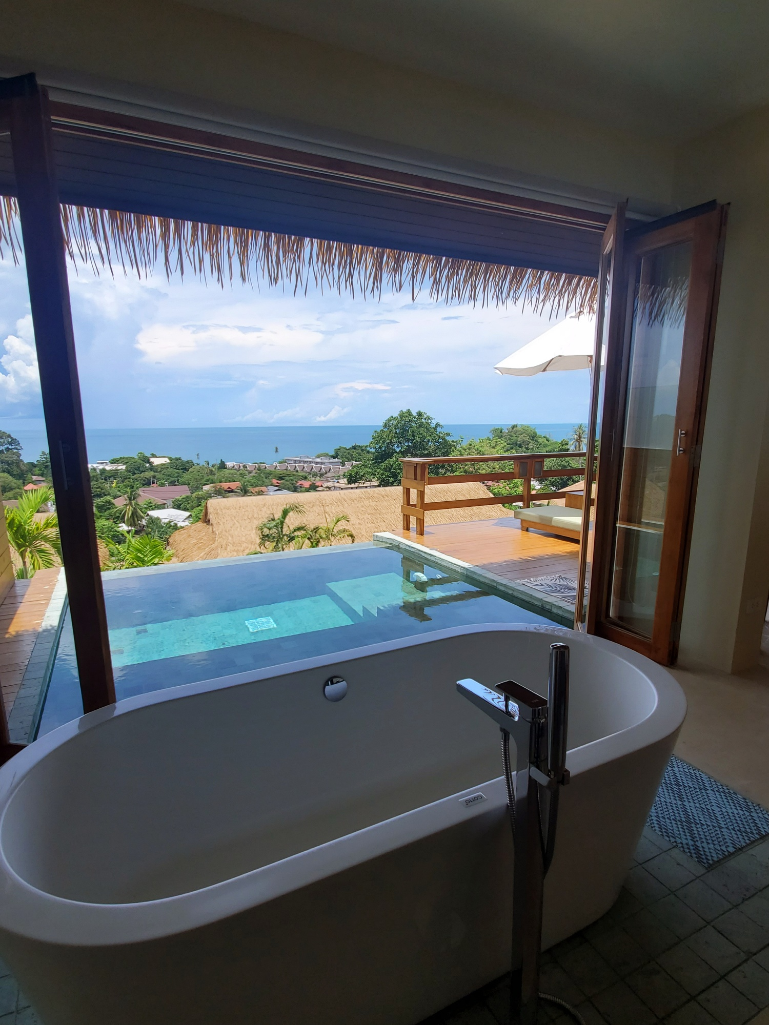 Wild Cottages Luxury and Natural bathtub