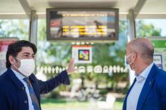 La Comunidad presenta un avanzado sistema de señalización e información en paradas de autobús para personas con discapacidad visual