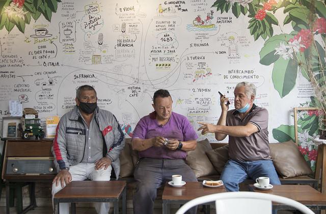Galería Cafe Vronx 60.#El MejorAnguloDelBronx