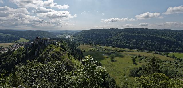 Le Château de Joux depuis le Fort Mahler
