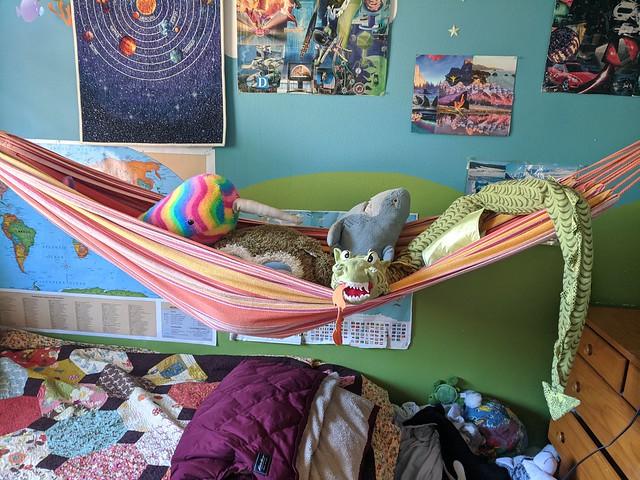 Hammock & big stuffies