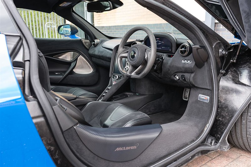McLaren-720S-9-1