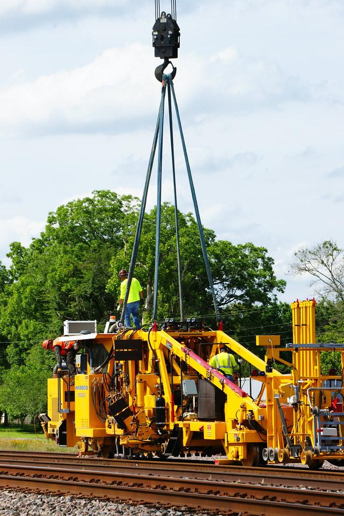 6/2/2021: Close Call! Near crane topple on tamper pick. Flynn, TX