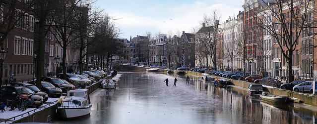 Smooth ice on the Keizersgracht in Amsterdam