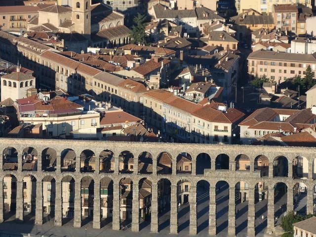 Acueducto de Segovia a vista de globo