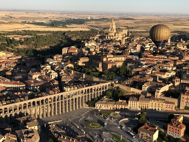 Segovia en un paseo en globo