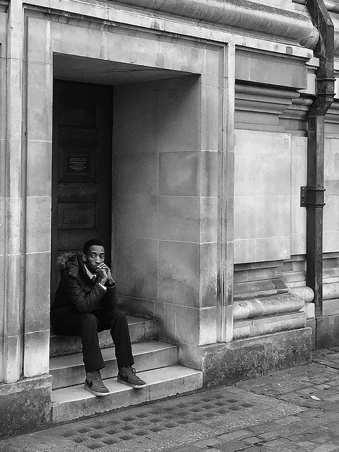 Mood (Candid Street Photography: London, 2016)