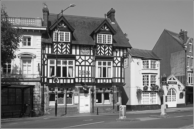 The Crown, Rugby
