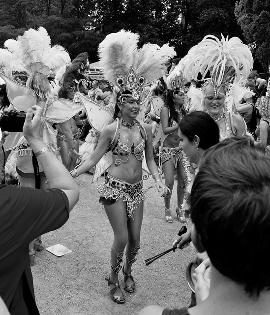 Samba Festival Coburg 2011 - EF-S18-55mm f-3.5-5.6 IS _ 18 mm _  _ 1-500 Sek. bei f - 7,1 _ ISO 400 _  Canon EOS 60D _ 10. Juli 2011 _ IMG_7590.jpg