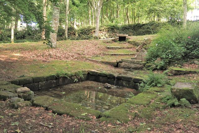 Fontaine et lavoir de Poulguin, Nevez (Finistère)