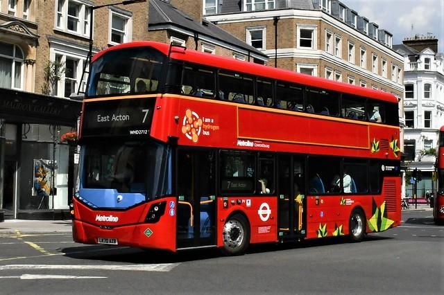 LK70 AZB (WHD2712) Metroline London