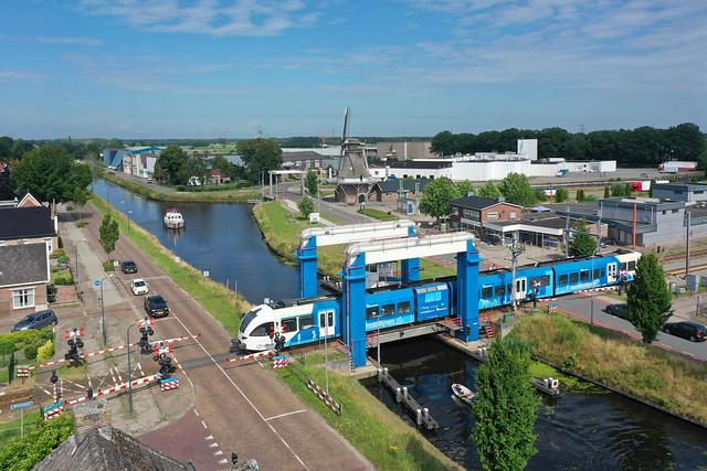 Arriva GTW 2-8 521 - trein 8025  Zwolle - Emmen  - Nieuw Amsterdam