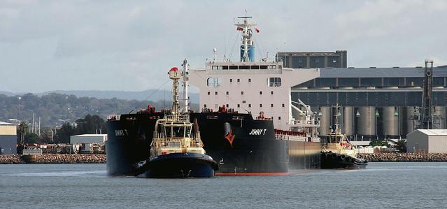 Bulk Carrier 'JIMMY T'  DEPARTING NEWCASTLE HARBOUR.