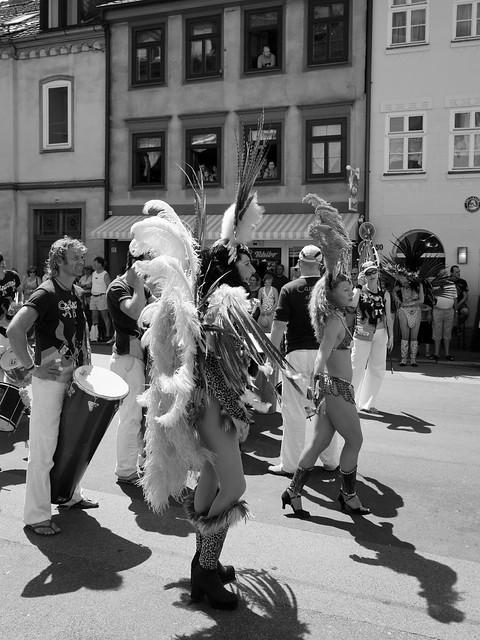 Street Parade - IMG_2681-10.0-22.0 mm-19 mm-1-320 Sek. bei ƒ - 5,6-ISO 100