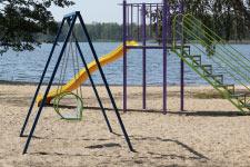 Территория Санатория Берестье летом - детская игровая площадка