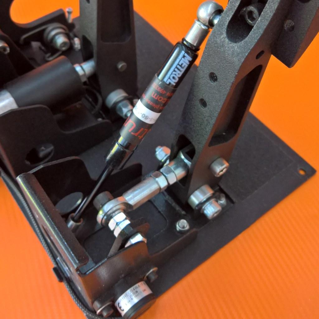 SD13-pedals-clutch