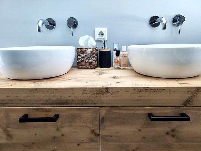 Badmeubel met 2 waskommen inbouwkranen Riviera Maison tissue box