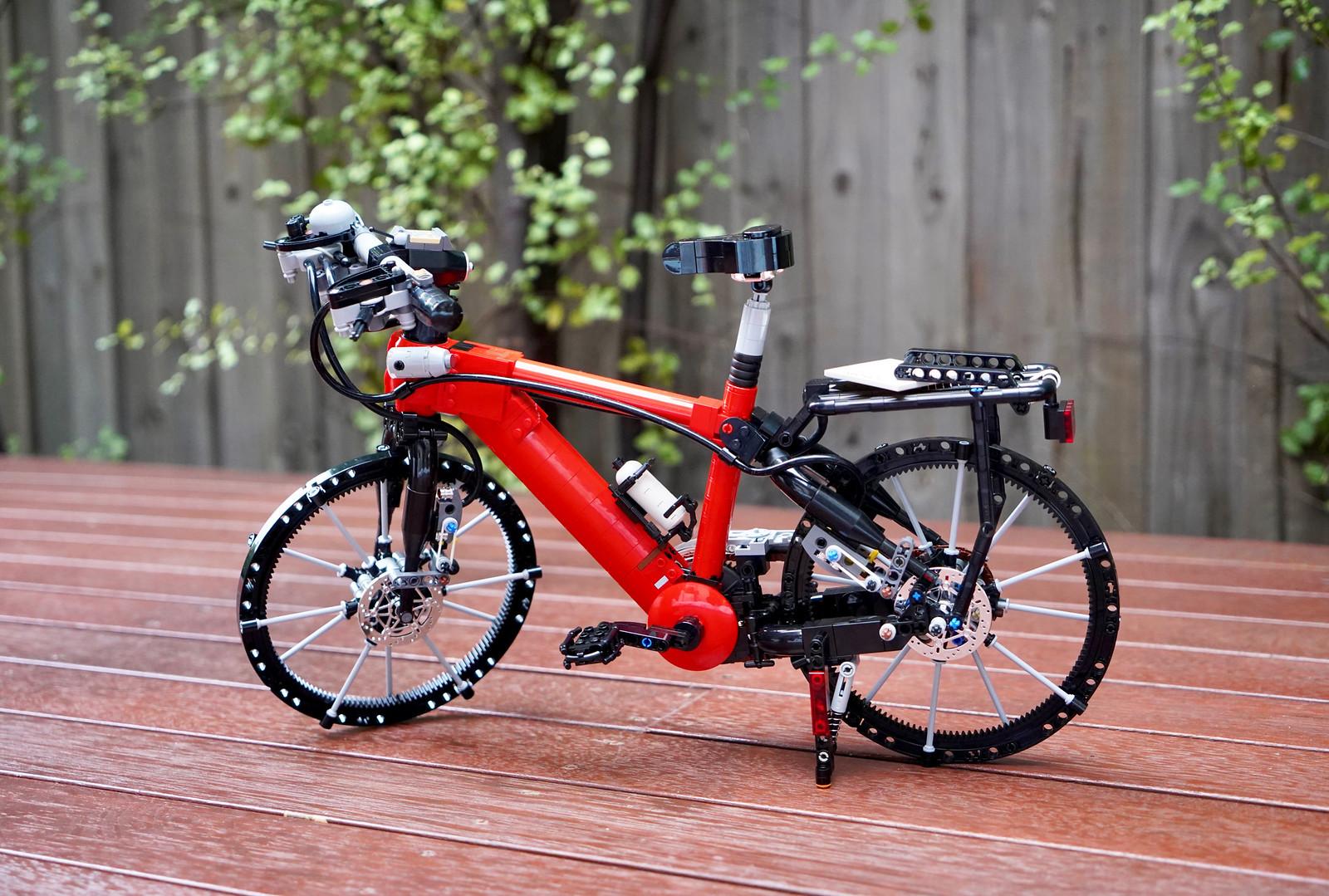 Working LEGO Bicycle
