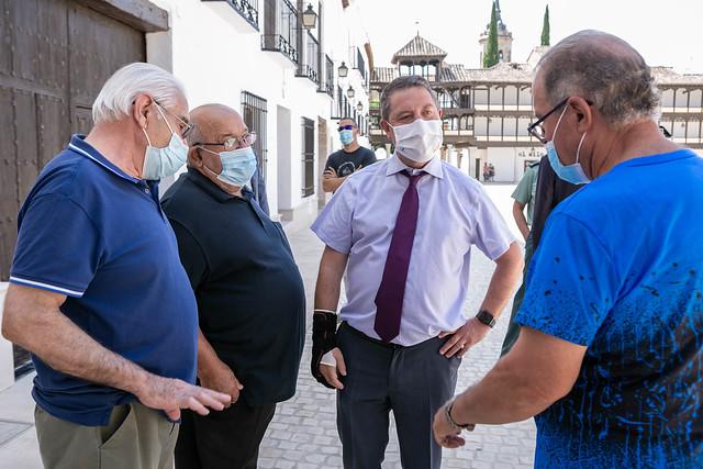 García-Page inaugura la remodelación de la Plaza Mayor de Tembleque