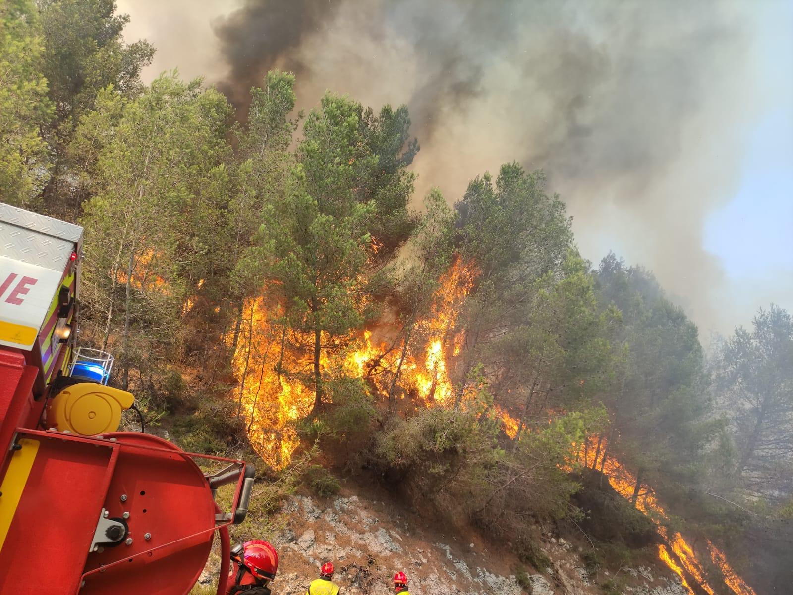Opérations : fin de semaine mouvementée sur le front des incendies