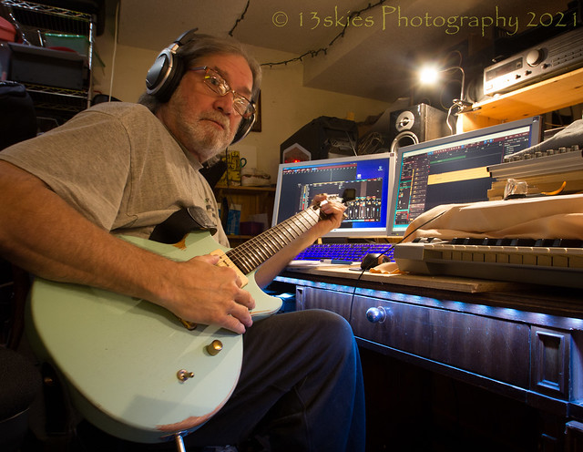 Recording The Guitar (H)