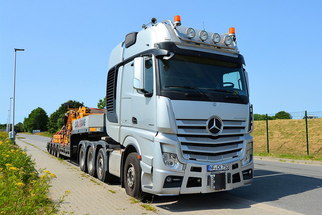 D - Mercedes-Benz Actros SLT GigaSpace - Carl Krane